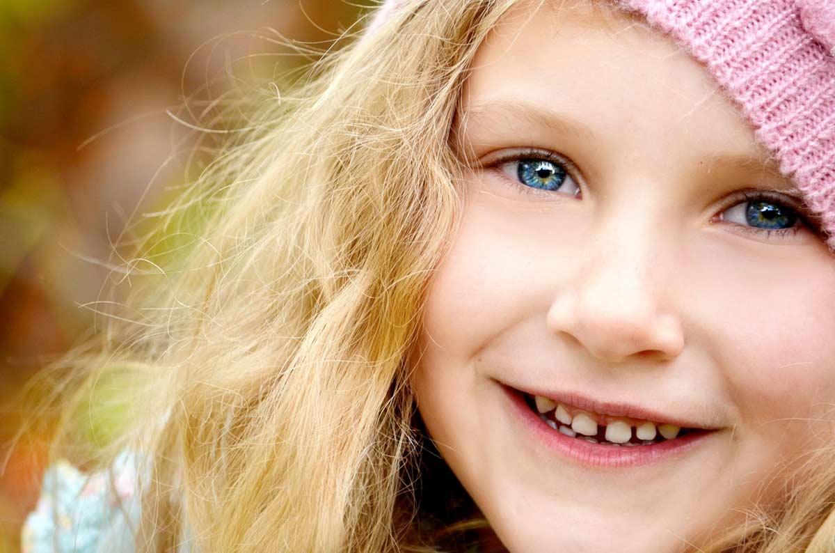 Unik børnefotografering i atelier eller udendørs