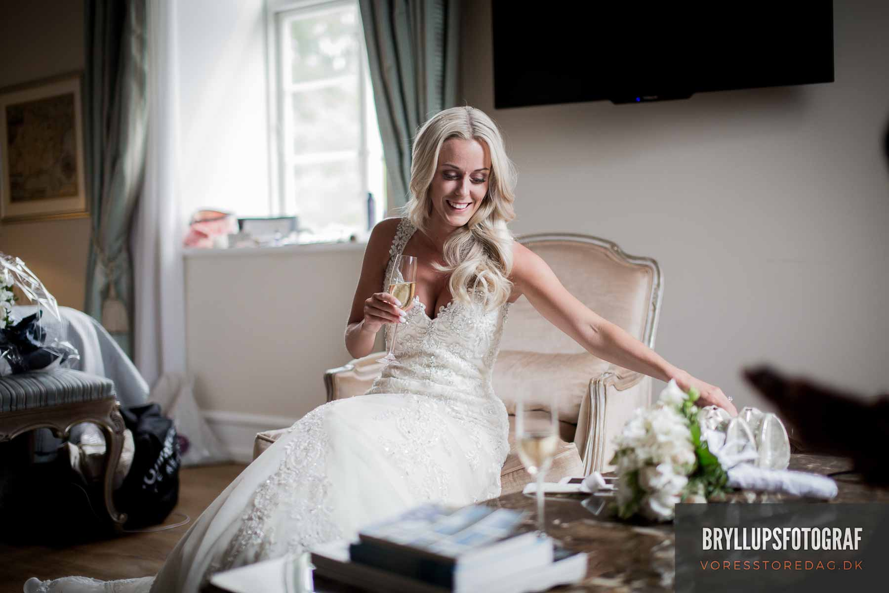 Her har du virkelig med en dygtig bryllupsfotograf svendborg