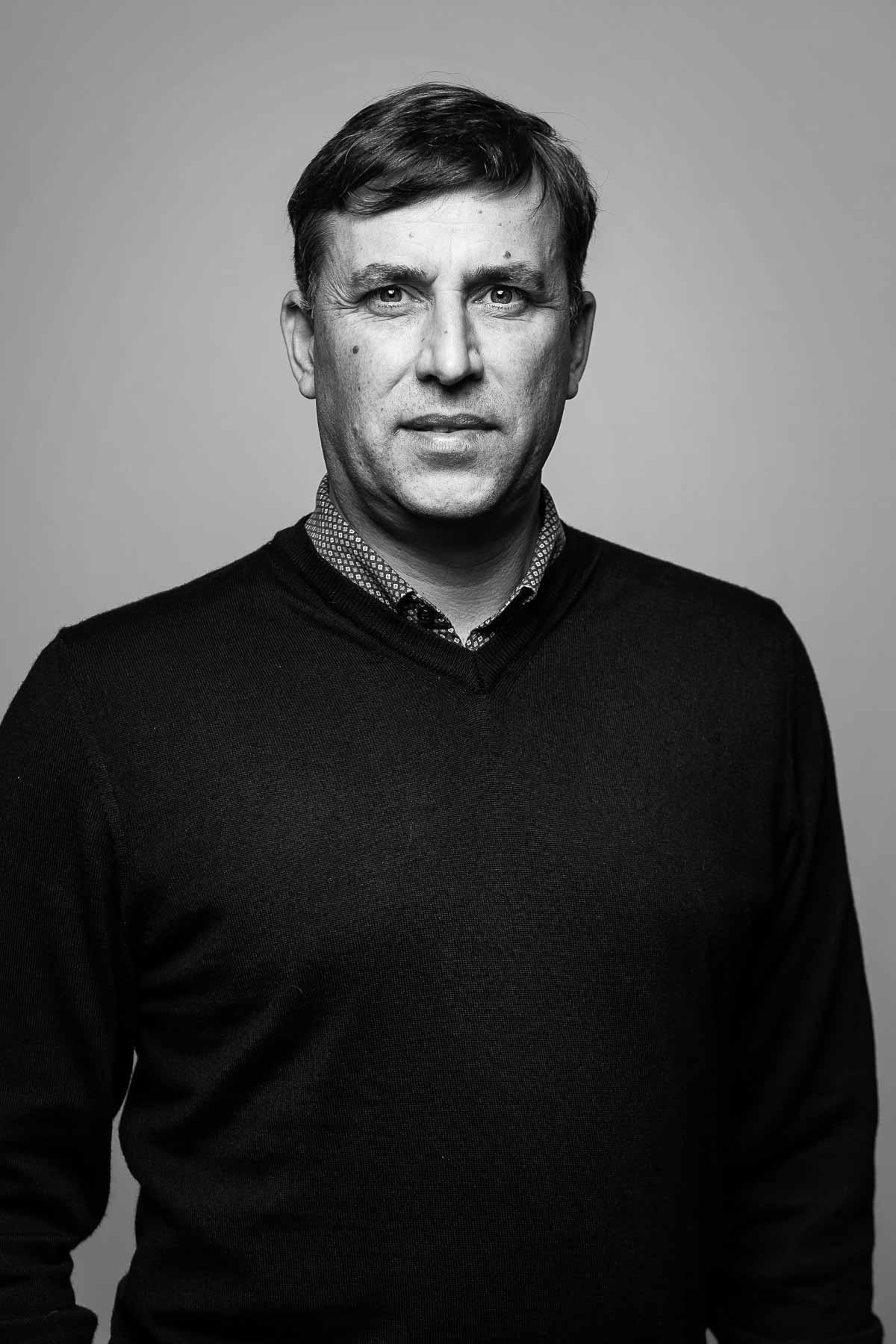 Erhvervsportræt erhvervs portræt - linkedin foto naturligt portræt